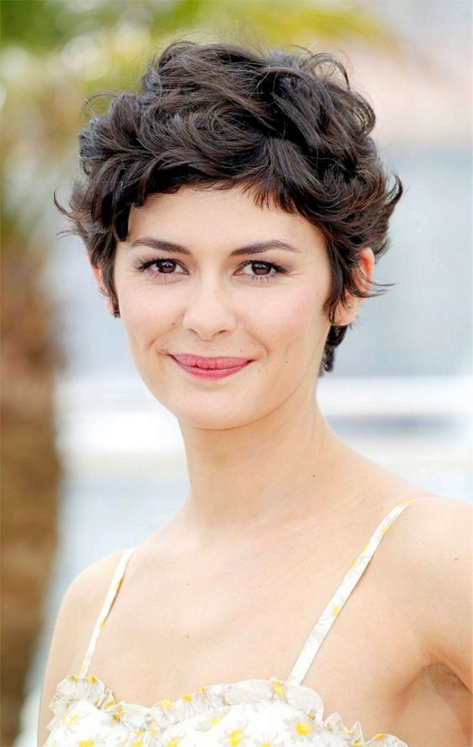 33+ Most Stylish Short Curly Hairstyles & Haircuts For Women Intended For Short Curly Hairstyles (View 22 of 25)