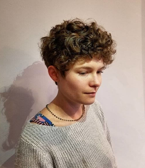 33 Perfectly Short Curly Hairstyles Trending In 2018 In Short Curly Hairstyles (View 4 of 25)