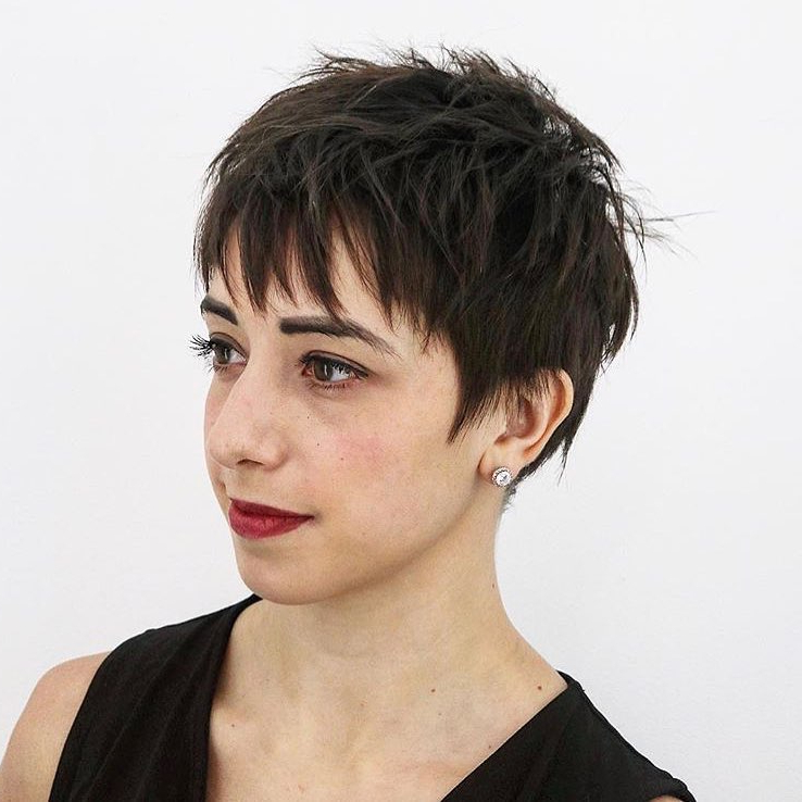 34 Greatest Short Haircuts And Hairstyles For Thick Hair For 2018 In Short Layered Hairstyles For Thick Hair (View 19 of 25)