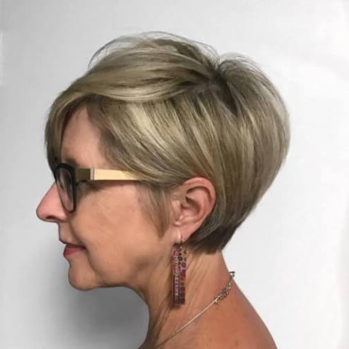39 Youthful Short Hairstyles For Women Over 50 (With Fine & Thick Hair) For Pure Blonde Shorter Hairstyles For Older Women (View 8 of 25)