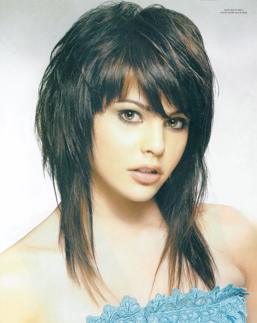 45 Feather Cut Hairstyles For Short, Medium, And Long Hair Throughout Short Bob Hairstyles With Feathered Layers (View 18 of 25)