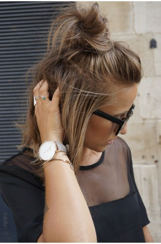 5 Looks All Girls With Medium Length Hair Should Try In 2018 Inside Short Ruffled Hairstyles With Blonde Highlights (View 18 of 25)