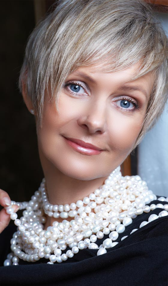 50 Short And Stylish Hairstyles For Women Over 50 Regarding Cropped Gray Pixie Hairstyles With Swoopy Bangs (View 19 of 25)