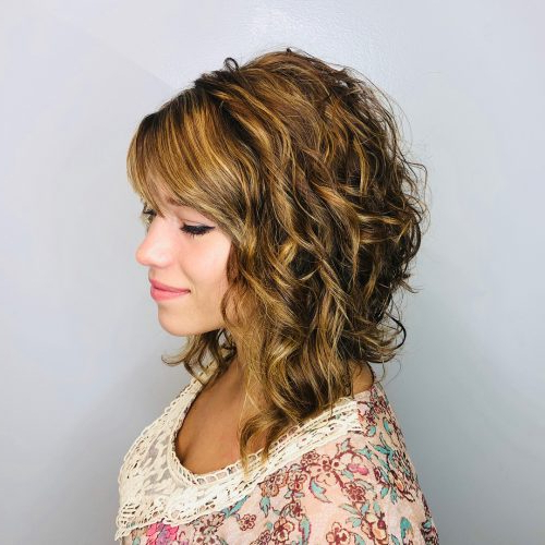 51 Stunning Medium Layered Haircuts (Updated For 2018) Inside Gorgeous Feathered Look Hairstyles (View 25 of 25)