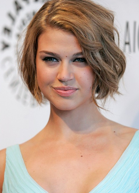 55 Super Hot Short Hairstyles 2017 – Layers, Cool Colors, Curls, Bangs In Short Voluminous Feathered Hairstyles (View 15 of 25)