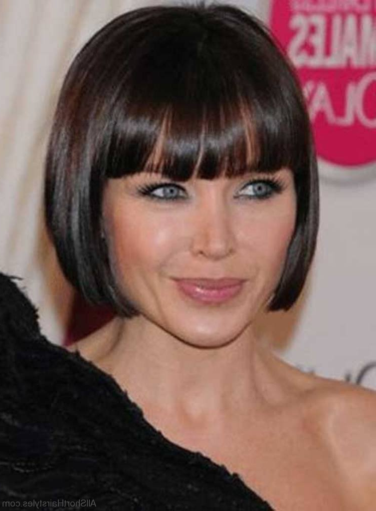 57 Cool Short Bob Hairstyle With Side Swept Bands With Straight Bob Hairstyles With Bangs (View 12 of 25)
