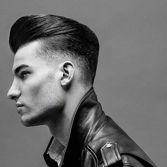 60 Effortless Slicked Back Undercut – [Be Trendy In 2018] Within Tapered Gray Pixie Hairstyles With Textured Crown (View 25 of 25)