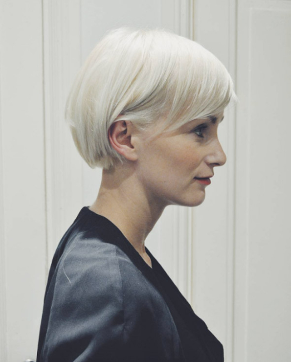680 Platinum Blonde Bob – Style Skinner Within Sleek Gray Bob Hairstyles (Gallery 13 of 25)