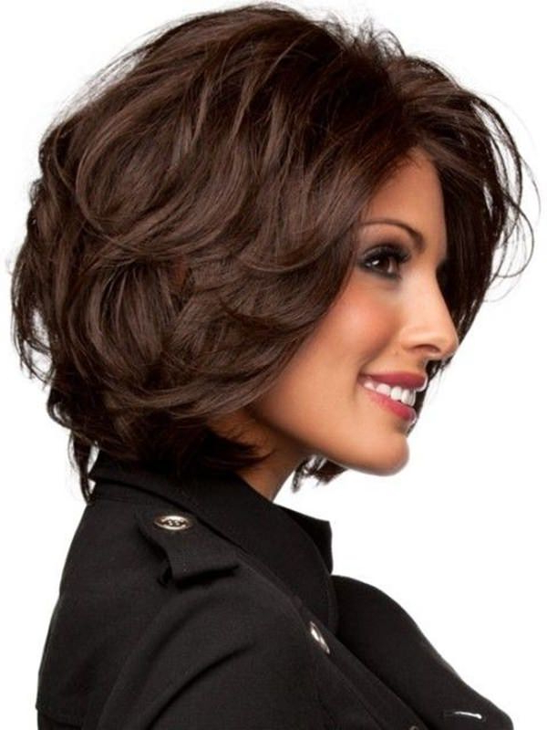 69 Gorgeous Ways To Make Layered Hair Pop With Short Voluminous Feathered Hairstyles (View 16 of 25)