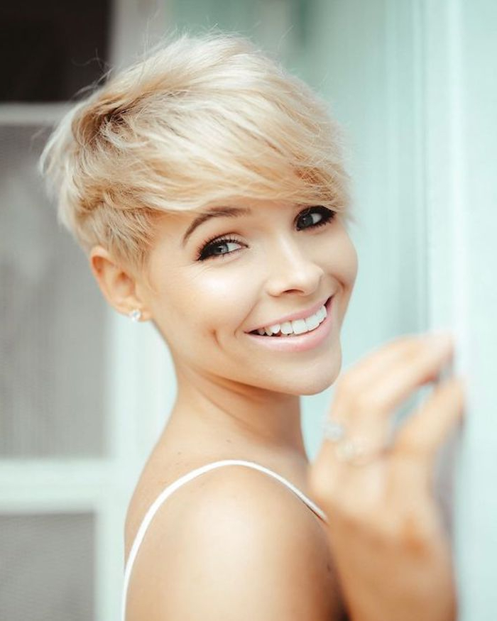 70 Stunning Medium And Short Hairstyles For Fine Hair To Try This With Long Ash Blonde Pixie Hairstyles For Fine Hair (View 25 of 25)
