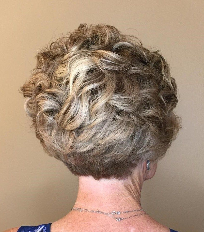90 Classy And Simple Short Hairstyles For Women Over 50 In 2018 With Regard To Short Ruffled Hairstyles With Blonde Highlights (View 2 of 25)
