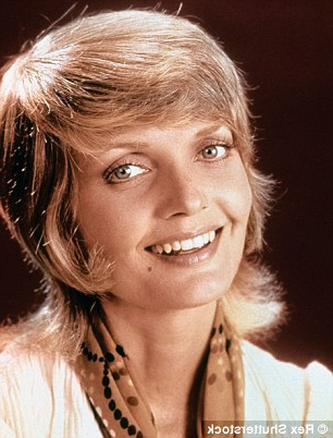 Carol Called, She Wants Her Hairstyle Back! Keith Urban Channels Pertaining To Carol Brady Inspired Hairstyles (View 6 of 25)