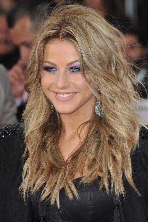 Collection Of Feather Cut Hair Styles For Short, Medium And Long Hair Within Gorgeous Feathered Look Hairstyles (View 19 of 25)