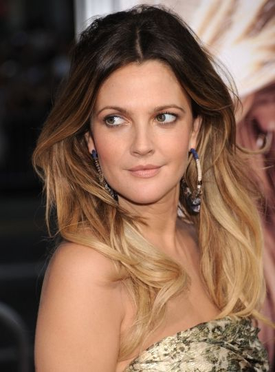 Drew Barrymore Looks Fabulous With Her Gorgeous Long Feathered Ombre Regarding Gorgeous Feathered Look Hairstyles (View 23 of 25)