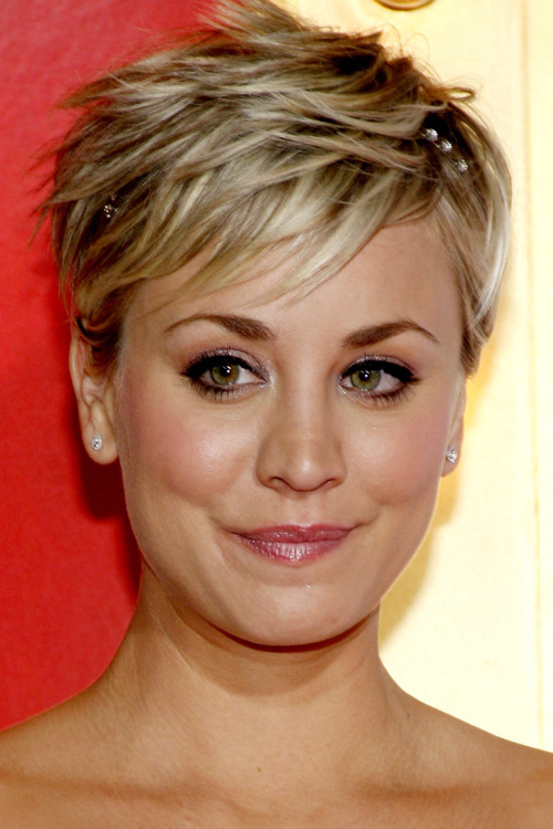 Pixie Haircuts With Bangs – 50 Terrific Tapers Regarding Short Ruffled Hairstyles With Blonde Highlights (View 16 of 25)