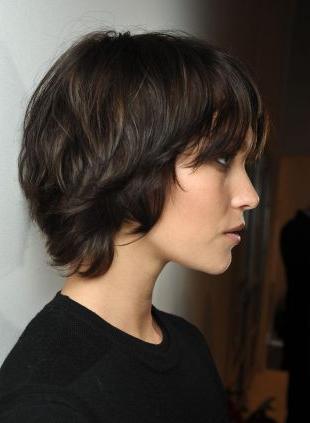 Short Hairstyles: Wavy Bob Vs (View 8 of 25)