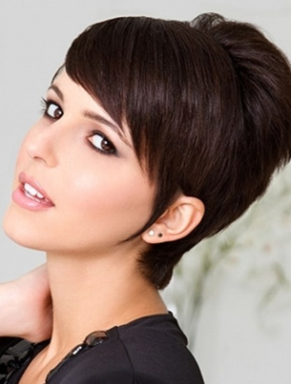 Short Pixie Haircut With Side Swept Bangs – Popular Haircuts Within Cropped Gray Pixie Hairstyles With Swoopy Bangs (View 13 of 25)
