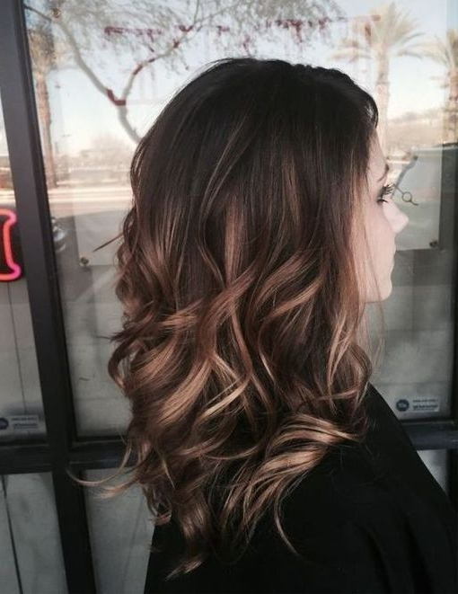 Featured Photo of Soft Auburn Look Hairstyles