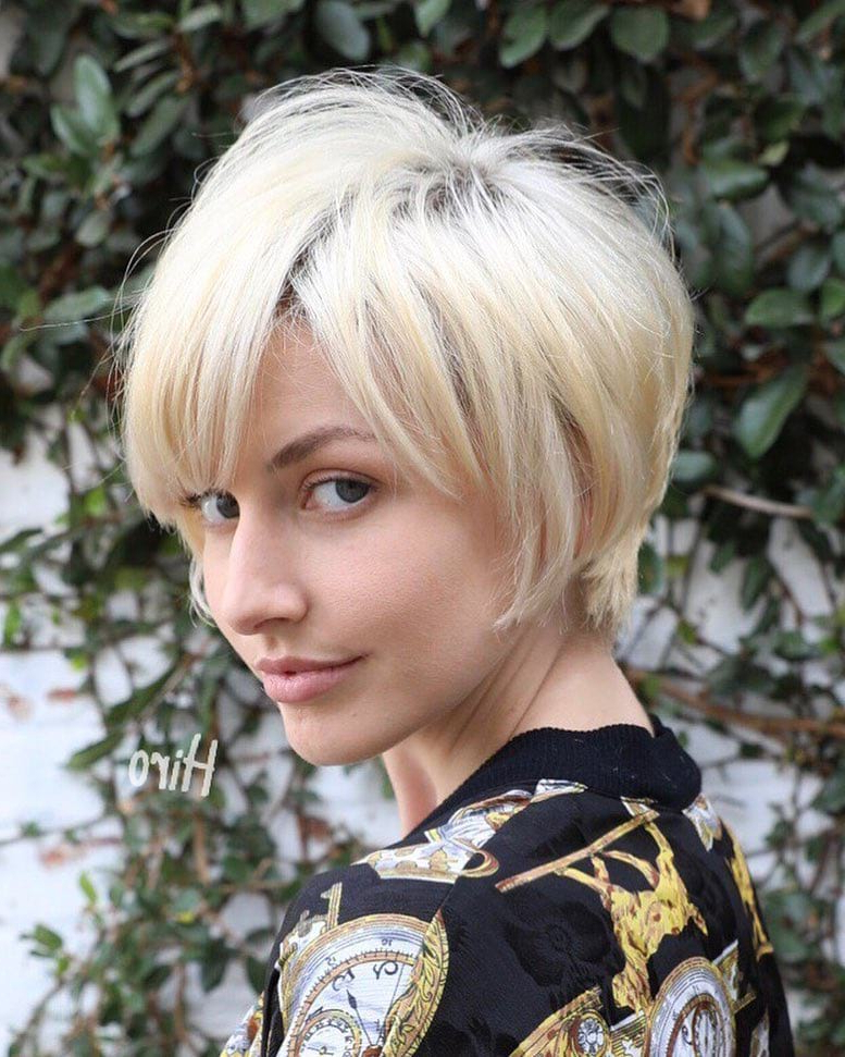 Women's Layered Platinum Blonde Pixie With Messy Textured Fringe And Inside Layered Pixie Hairstyles With Textured Bangs (View 19 of 25)