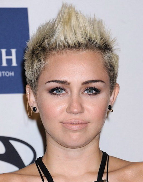 10 Exotic Miley Cyrus Hairstyles To Rock In 2018 Inside Platinum Fauxhawk Haircuts (View 7 of 25)