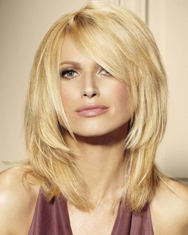 110 Best Shoulder Length Hairstyles To Try – Style Easily Intended For Recent Shoulder Length Hairstyles With Long Swoopy Layers (View 6 of 25)