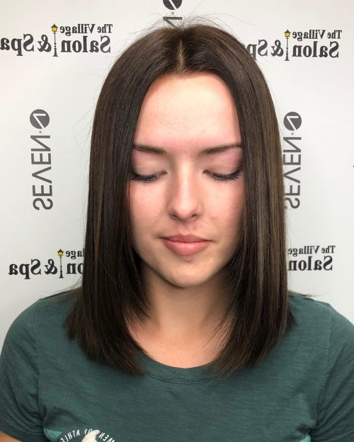 114 Top Shoulder Length Hair Ideas To Try (Updated For 2019) Intended For Current Middle Part And Medium Length Hairstyles (View 3 of 25)