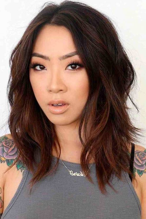 114 Top Shoulder Length Hair Ideas To Try (Updated For 2019) With Regard To Best And Newest Middle Part And Medium Length Hairstyles (View 2 of 25)