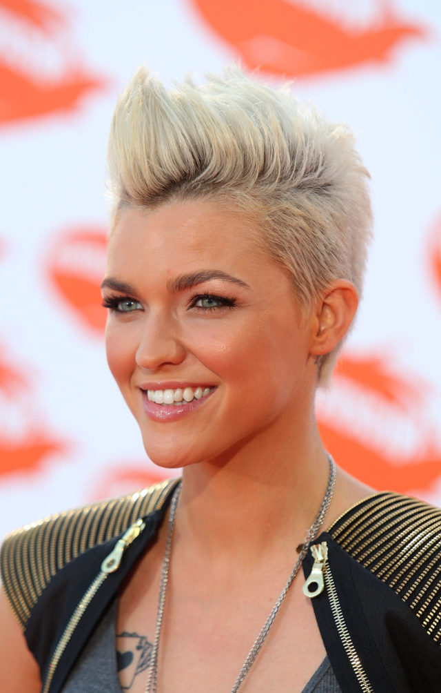 15 Gorgeous Mohawk Hairstyles For Women This Year Pertaining To Messy Hawk Hairstyles For Women (View 16 of 25)