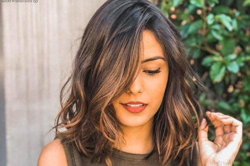2019's Best Bob Hairstyles & Haircuts For Women Inside Most Popular Layered Wavy Lob Hairstyles (View 22 of 25)