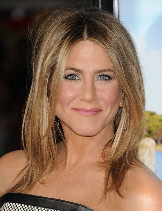 25 Jennifer Aniston Hairstyles Jennifer Aniston Hair Pictures Throughout Most Recently Middle Part And Medium Length Hairstyles (View 19 of 25)