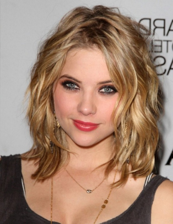 25 Most Superlative Medium Length Layered Hairstyles – Haircuts Throughout Most Recent Mid Length Haircuts With Curled Layers (View 6 of 25)
