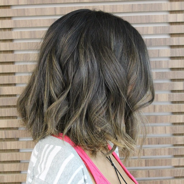 30 Cute Messy Bob Hairstyle Ideas 2018 (Short Bob, Mod & Lob In Current Two Tier Caramel Blonde Lob Hairstyles (View 14 of 25)