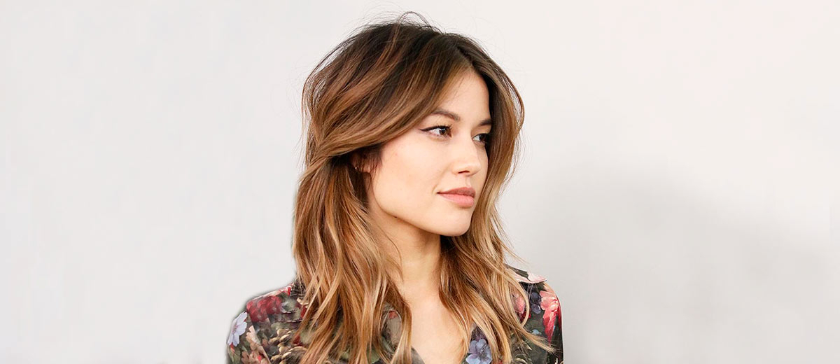 33 Shoulder Length Layered Haircuts To Rock | Lovehairstyles With Regard To Most Recent Mid Length Haircuts With Curled Layers (View 8 of 25)