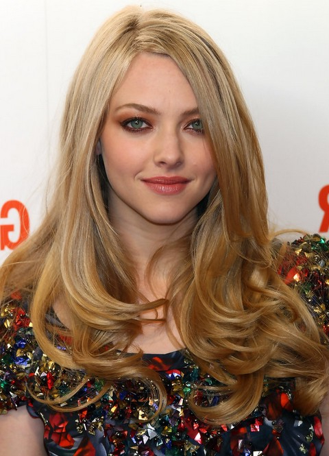 35 Amanda Seyfried Most Impressive Hairstyles – Pretty Designs Throughout Best And Newest Loose And Layered Hairstyles (View 4 of 25)