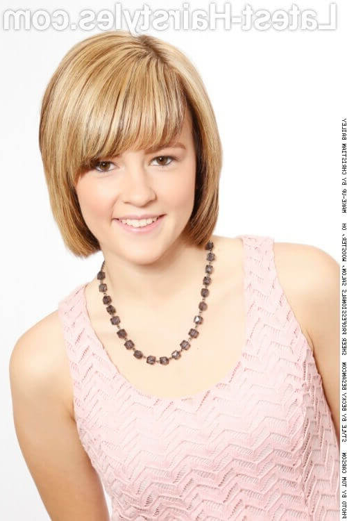 35 Short Straight Hairstyles Trending Right Now In 2019 Throughout Most Up To Date Perfect Layered Blonde Bob Hairstyles With Bangs (View 21 of 25)