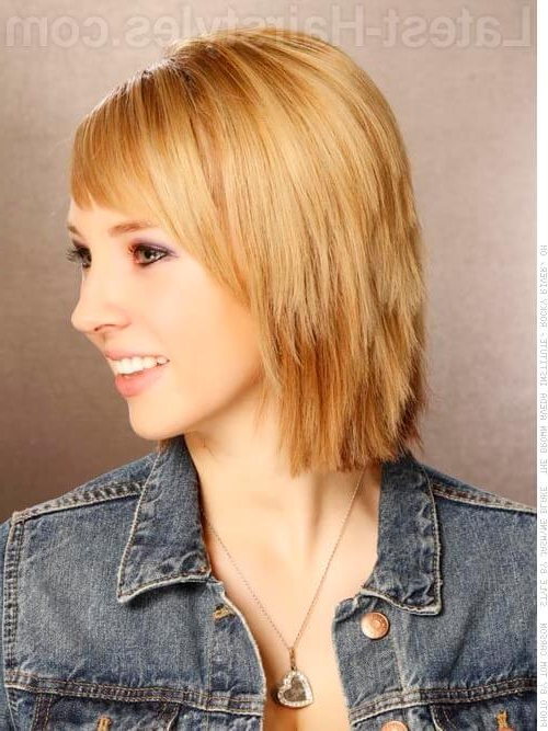 45 Chic Choppy Bob Hairstyles For 2019 With Most Recent Uneven Layered Bob Hairstyles For Thick Hair (View 23 of 25)