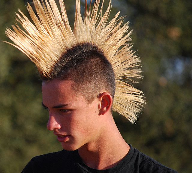 Featured Photo of Spikey Mohawk Hairstyles