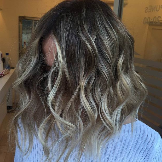 47 Hot Long Bob Haircuts And Hair Color Ideas | Euroleft Inside Recent Two Tier Caramel Blonde Lob Hairstyles (View 25 of 25)