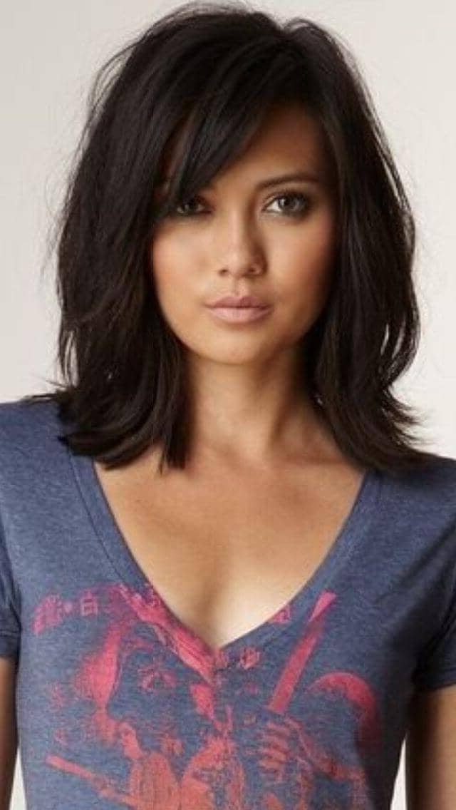 50 Fresh Hairstyle Ideas With Side Bangs To Shake Up Your Style Intended For Most Popular Shoulder Length Hairstyles With Long Swoopy Layers (View 12 of 25)