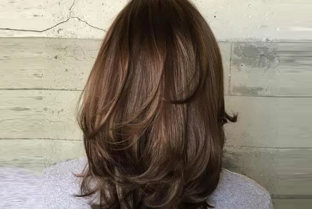 7 Shoulder Length Hairstyles With Layers | Style Presso Regarding Most Up To Date Feathered V Layers Hairstyles (Gallery 4 of 25)