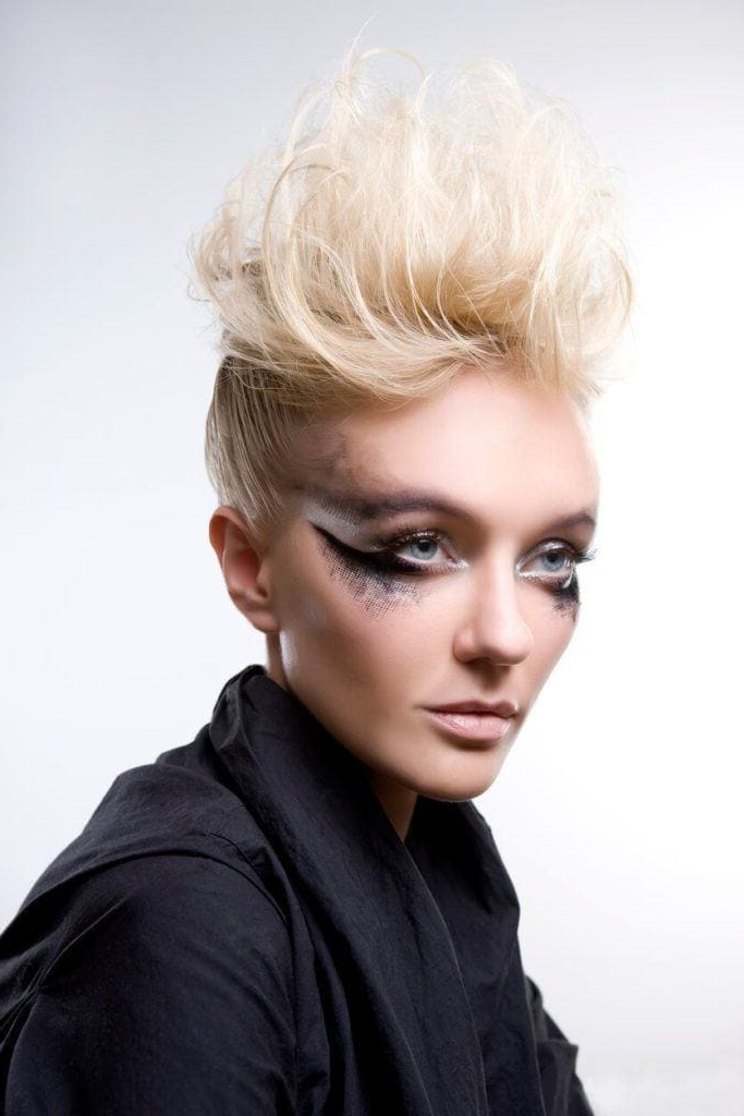 8 Fashionable Mohawk Hairstyles For Women: From Haute To Head-Turning in Blonde Mohawk Hairstyles