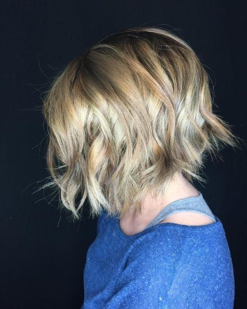 Featured Photo of Effortlessly Tousled Hairstyles