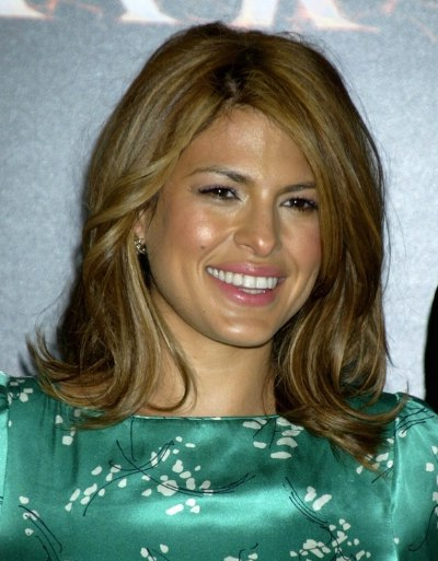 Eva Mendes Wearing Her Shoulder Length Hair With Tilting Up On The Pertaining To Newest Layered And Flipped Hairstyles For Medium Length Hair (View 25 of 25)