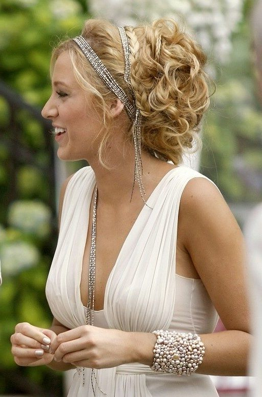 Greek Goddess Inspired Hairstyles – Fashion Style Magazine – Page 13 Intended For Athenian Goddess Faux Hawk Updo Hairstyles (Gallery 10 of 25)