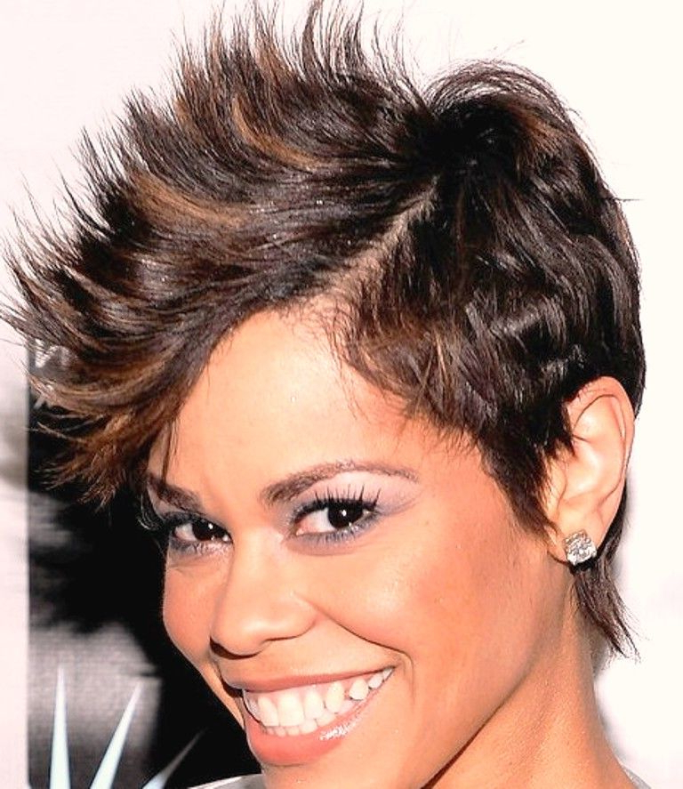 How To Do Best Celebrity Faux Hawk Hairstyles For Women – Mohawk With Holograph Hawk Hairstyles (View 17 of 25)