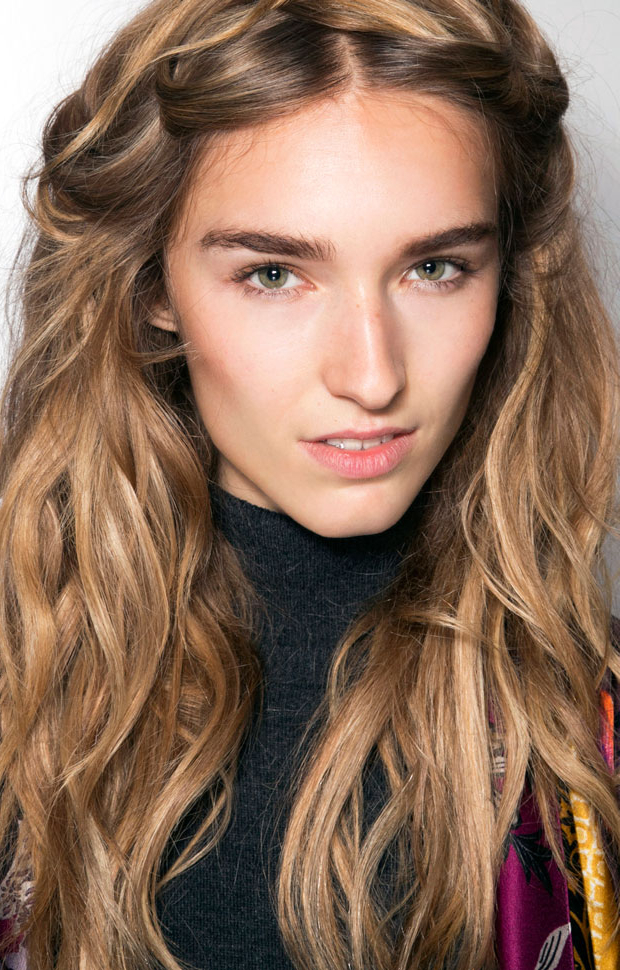 How To Use Sea Salt Spray To Style Your Hair – The Fashion Spot Within Latest Salty Beach Blonde Layers Hairstyles (View 14 of 25)