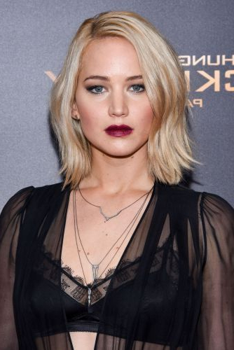 Jennifer Lawrence Long Straight Platinum Blonde Side Part Bob regarding Latest Platinum Layered Side Part Hairstyles