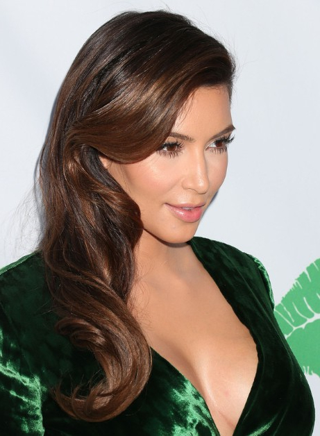 Kim Kardashian Loose Soft Waves Hairstyles – Popular Haircuts Inside Latest Loose And Layered Hairstyles (View 16 of 25)
