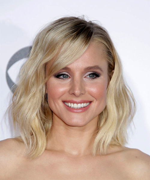 Kristen Bell Voluminous Medium Wavy Casual Bob Hairstyle With Side Intended For Latest Voluminous Wavy Layered Hairstyles With Bangs (View 22 of 25)
