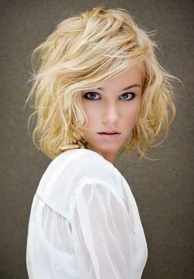 Layered Wavy Hairstyles For Medium Length Hair – Popular Haircuts In Most Current Medium Layered Wavy Haircuts (View 7 of 25)